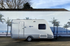 Caravelair Ambianze 400 met voll auto Mover